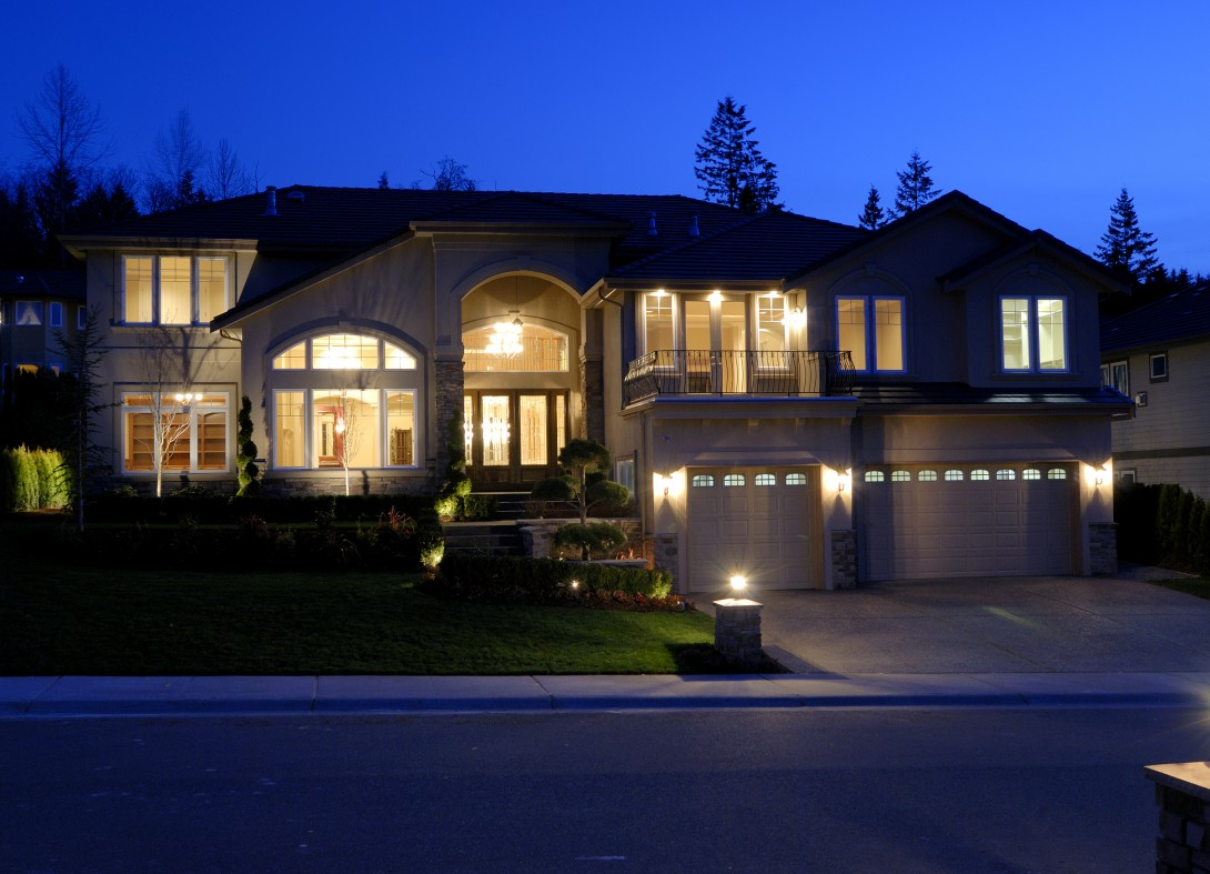 Ideal house lighting, that features not only the exteriror, but also the features from the interior.